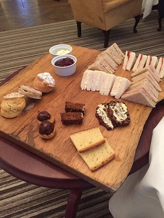Llansantffraed Court: Afternoon tea for 2