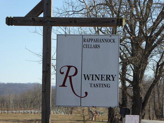 Huntly, VA: Sign
