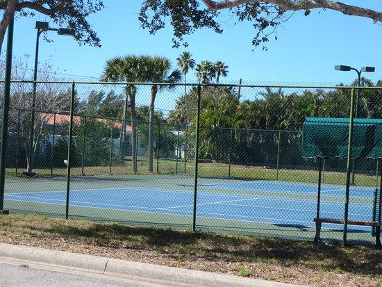Belleair Beach, FL: Tennis courts