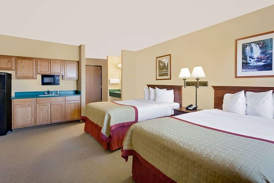 Pinedale, WY: Kitchenette Suite