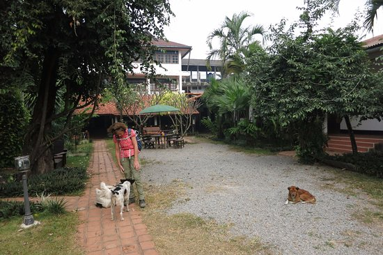 Khammouane, Laos: 'garden' of the Thakhek Travel lodge