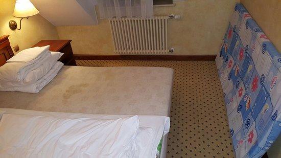Opera Hotel : IMG-20170204-WA0007_large.jpg