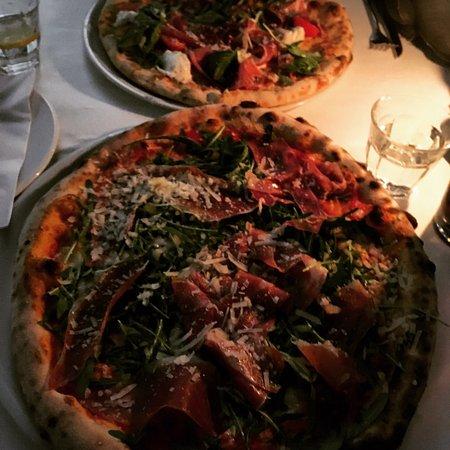 pizza picture of pizzeria ristorante papa pane di. Black Bedroom Furniture Sets. Home Design Ideas