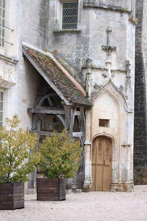 Châteauneuf, Frankrijk: dans la cour du château.