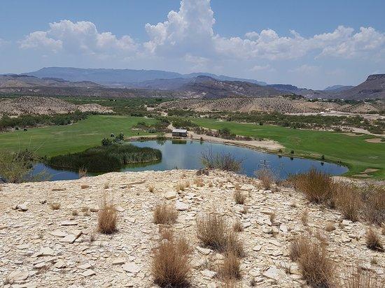 Lajitas, Teksas: Looking toward Mexico from the course