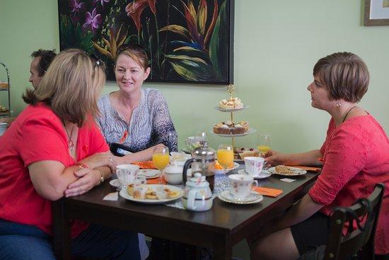 Caboolture, Австралия: Customers enjoying a morning tea at Tea n Stuff