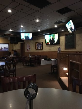 Photo of American Restaurant Tuttle's Bar & Grill at 107 Shady Oak Rd, Hopkins, MN 55343, United States