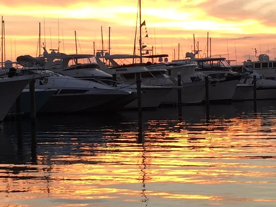 Port Saint Lucie, FL: Spectacular sunset on the St Lucie River .. simply Majestic.