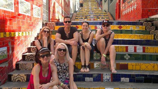 Río de Janeiro, RJ: Escadaria Selaron! Grupo da Austrália visitando um dos pontos mais queridos do Rio. Vem com a Ki