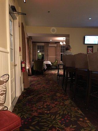 Bretton Arms Dining Room : photo0.jpg