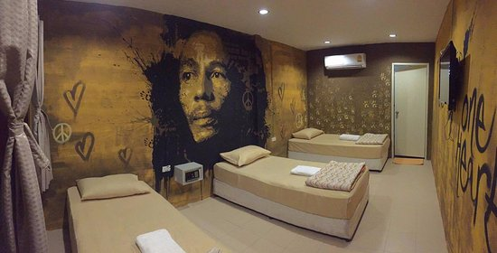 Lazy House Shenanigans Guest House: Bob Marley