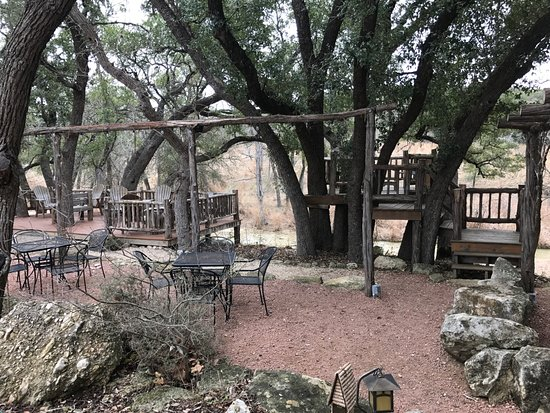Comfort, TX: Tree house deck