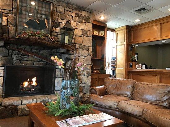 Best Western Mountain Lodge at Banner Elk: photo0.jpg