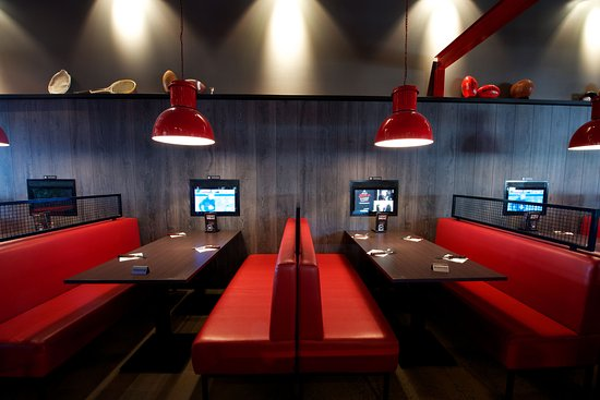 Taylors Lakes, Australia: VIP booths with touch screen TV's