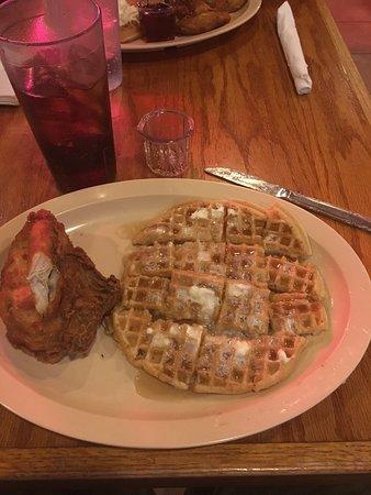 Roscoe's House of Chicken & Waffles: photo1.jpg