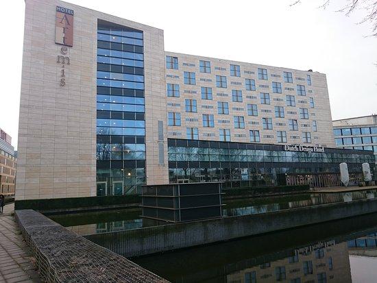 Dsc 1389 picture of dutch design hotel artemis for 4 design hotel artemis