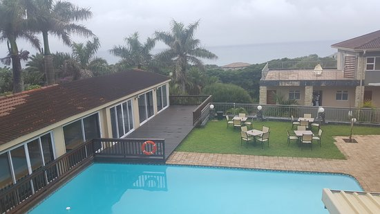 Umthunzi Hotel & Conference: view from outside eating area over the pool.