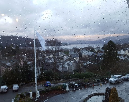 Windermere Hydro Hotel: Sorry about the rain!