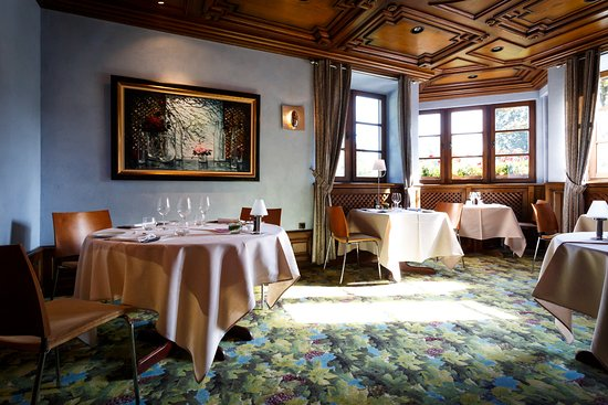 salon bleu - Picture of Le Buerehiesel, Strasbourg - TripAdvisor