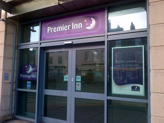 Premier Inn York City (Blossom St North) Hotel: entrance