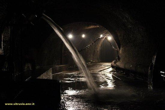 aposa vitruio bologna torrente sotterranei vie d'acqua