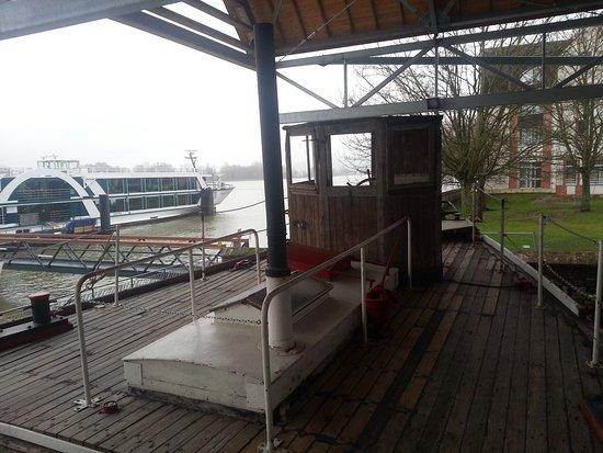 MuséoSeine: Depuis l'ancien bateau, vue originale sur la Seine et ses nouveaux quais dédiés aux croisères
