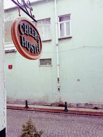 Cheers Hostel: Yes, it snows in Istanbul.