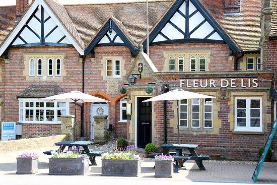 Leigh, UK: Fleur De Lis