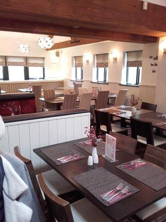 Clayton-le-Woods, UK: Interior of Barton'sb Restaurant.