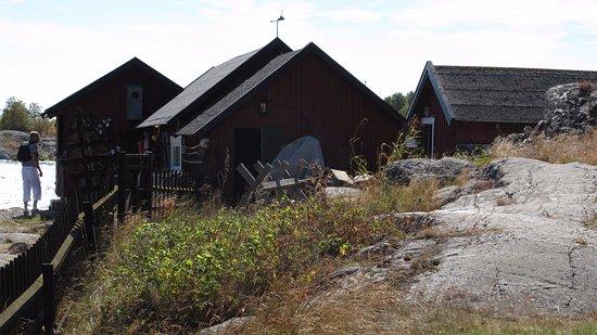 Varmdo, Suécia: Bodar vid bryggan