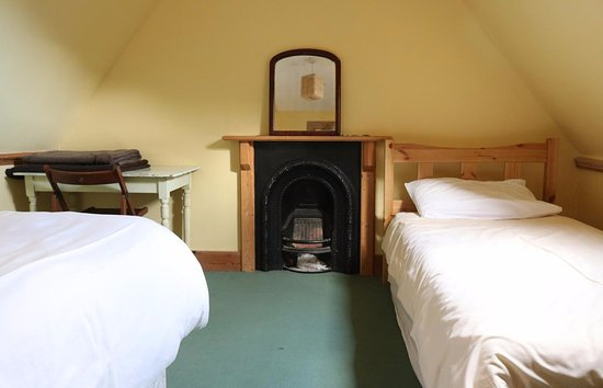 Stromeferry, UK: bedroom with period fireplace