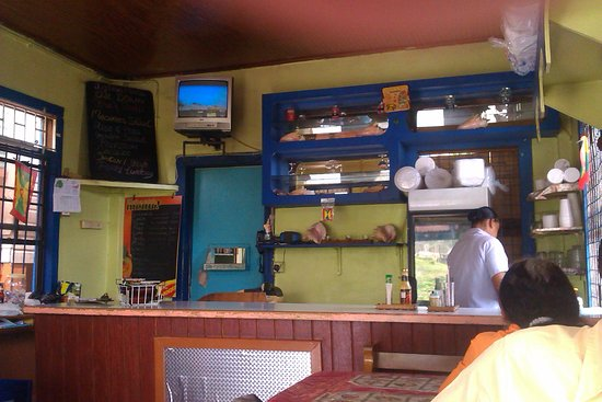 Grenville, Grenada: Inside Decor of Good Food