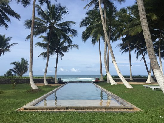 Apa Villa Thalpe: The pool (a great way to relax in the Sri Lankan sun)!