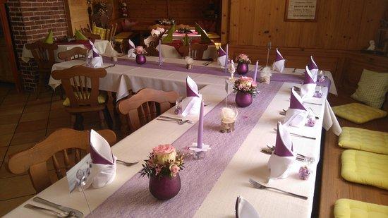 Tischdekoration Fur Eine Taufe Bild Von Restaurant Zur Stub N