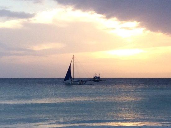 Discovery Shores Boracay Resmi