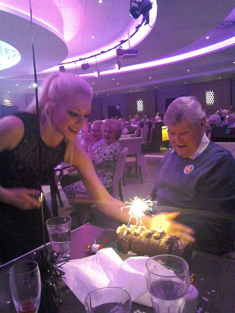 Warner Leisure Hotels Alvaston Hall Hotel: Entertainment staff bringing John an 80th birthday cake