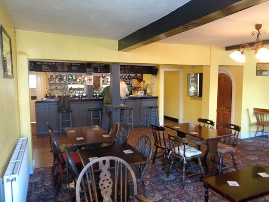 Yoxford, UK: Main bar area