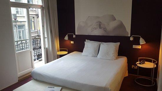 Hotel Cafe Pacific: J'ai séjourné au deuxième étage.Chambre fraîchement rénovée, spacieuse et propre avec balcon
