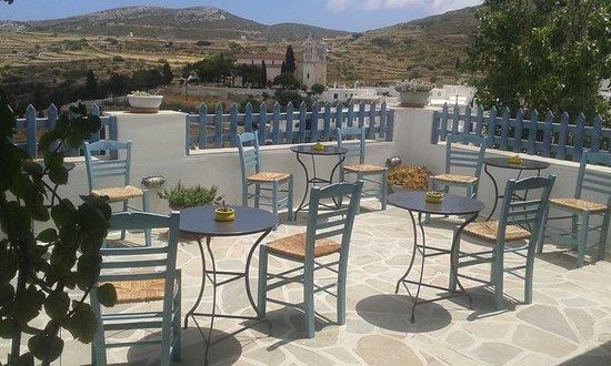 Lefkes, Yunani: Το νησιώτικο μπαλκονάκι μας! Our island-like balcony!