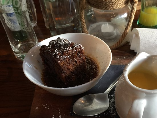 ‪‪Wincle‬, UK: Sticky Toffee Pudding with Custard‬