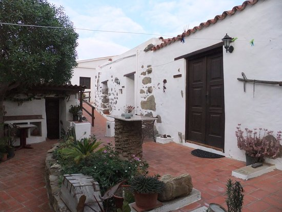 Casa Princess Arminda: This is the small place to which Casa Princess referred us.