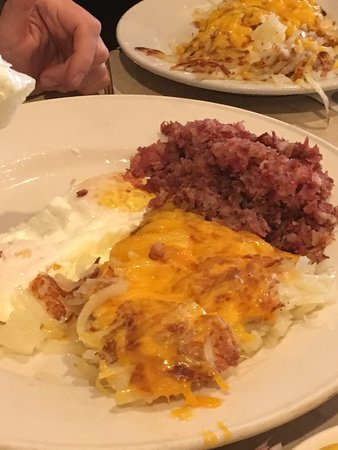 Mundelein, IL: Eggs, Cheesy Hash browns and Cornbeef Hash