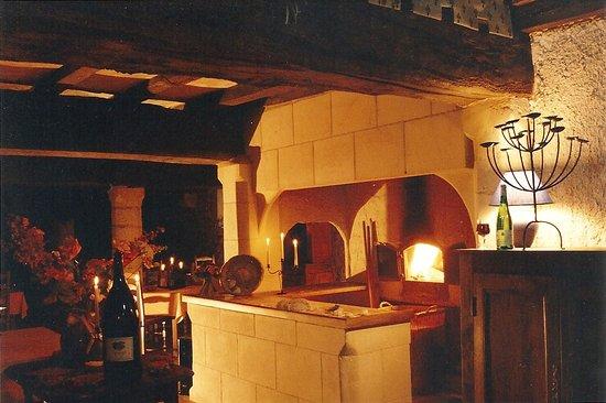 Montreuil-Bellay, Francja: Four à Fouée prise  en 1996