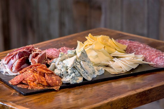 Kennebunk, ME: ARTISAN CHEESE AND CHARCUTERIE