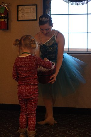 Showboat Branson Belle: Treats from Sugar Plum Fairies