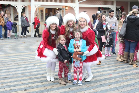 Showboat Branson Belle: More beautiful Sugar Plum Fairies