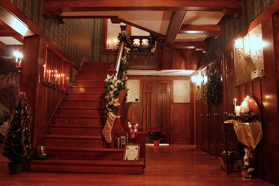 Bloomfield, IA: The entrance & stairway decorated for Christmas