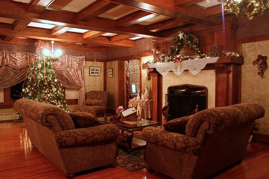 Bloomfield, IA: The living room decorated for Christmas