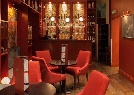 Dans Le Noir ?: The Lounge is an elegant and private place perfect for hosting corporate events or private parti