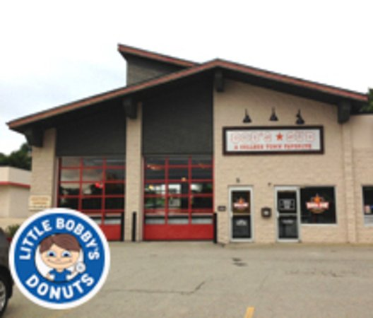 New Kensington, PA: Bob's Sub - New Ken: Now Serving Little Bobby's Donuts